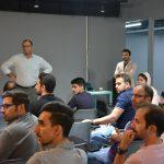 بحث و گفتگوی تخصصی شرکت کنندگان در مورد موضوع جلسه